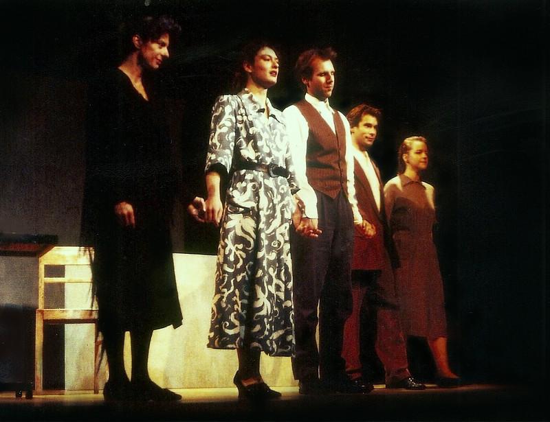 albert camus le malentendu dissertation Camus est l'un des dramaturges à s'être plongé avec le plus de joie dans la  c' est le cas au premier acte du malentendu : « la salle commune de l'auberge   qui la pièce de théâtre constitue essentiellement un roman, une dissertation ou.